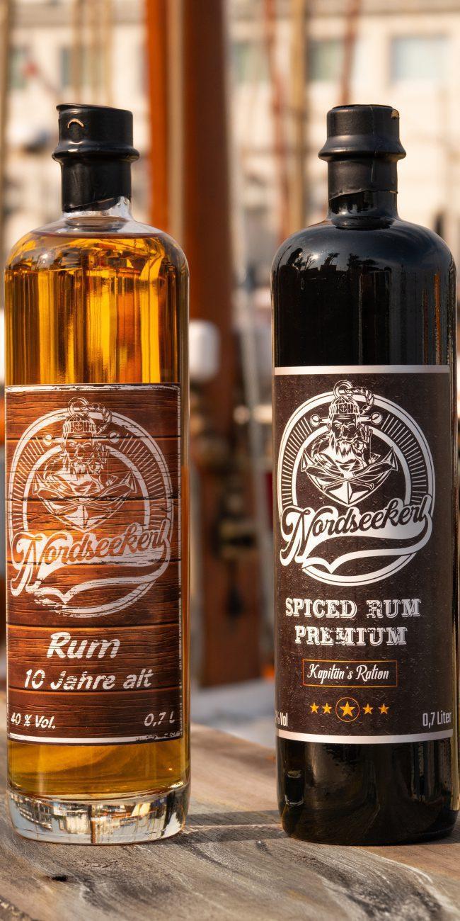 Nordseekerl-Startseite-Spiced Rum und Rum No. 1 - 2 Flaschen Rum im Hafen